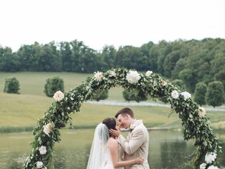 Southern Knot Weddings & Floral Design 3