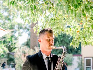 Tyler Varnell - Saxophone, Piano, DJ All-In-One 1