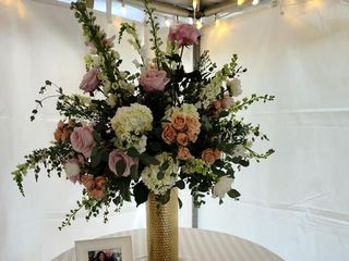 DeLuxe Floral Design by Jessica Powell 1