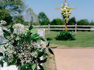 LYNN DOYLE FLOWERS & EVENTS 7