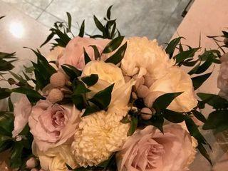 Shannon Loves Flowers 5
