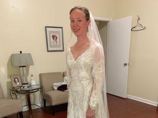 Dora Baker's Bridal Alterations 4