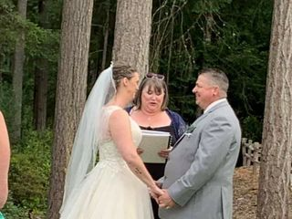 Precious Moments Officiant 1