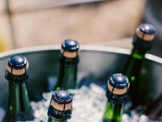 Bottles & Ice, Bar Service 2