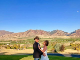 Rocky Mountain Dream Weddings by Julie Wright-Kile, Wedding Officiant 6