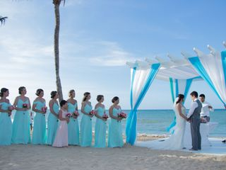 Blissful Honeymoons & Destination Weddings Wisconsin 1