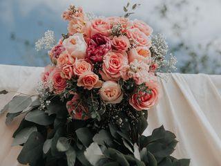 Sibyl Sophia Floral Design 5