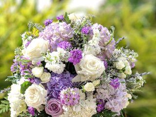 Dream Designs Florist and Wedding Boutique 4