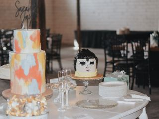 Creme De La Creme Cake Company 1