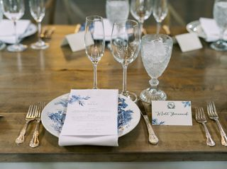 Southern Vintage Table 1
