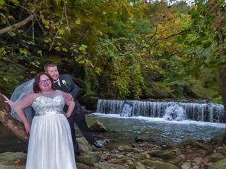 Friendly Falls Waterfall Weddings 2