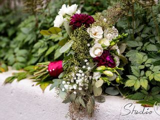 Easily Arranged Floral Design 1