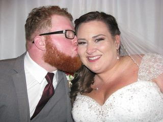 Photo Booths and More, LLC - PHOTOBOOTH RENTALS 4
