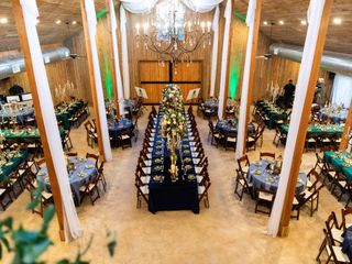 Whispering Oaks Wedding Venue 4