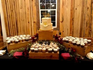 Stone Gate Farm: The Barn, The Guest House and The Manor at Twin Oaks Bed & Breakfast 2