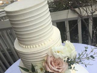 Bloom Custom Cakes 2