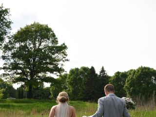 Raffiné Bridal & Formal Wear 1