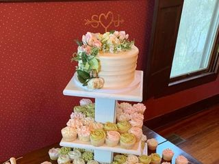 Ashlyn's Cake Cottage,llc 1