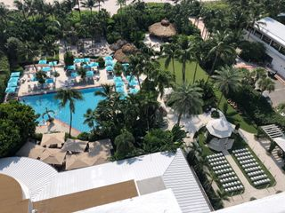 The Palms Hotel & Spa 5