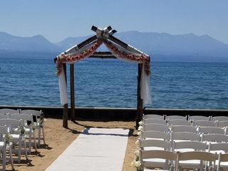Weddings at Lakeside Beach 1
