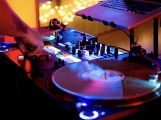 Nick Scott - The Foremost Wedding DJ 4
