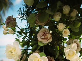Lois Hiranaga Floral Design LLC 4