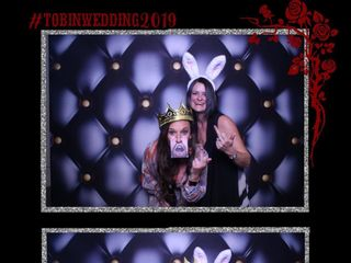 Mirrored Memories Photo Booth 4