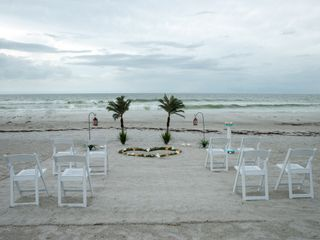 Florida Beach Weddings by Weddings On a Whim 5
