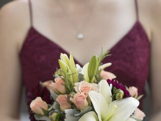 Omaha Wedding Group - Janousek Florist 4