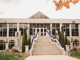 Illinois Wesleyan University 3