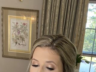 Kiss & Makeup - On Location Hair and Makeup 1