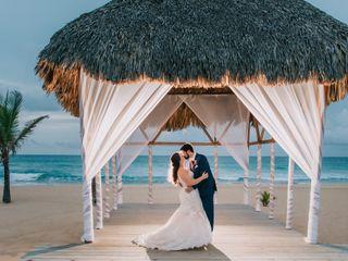 Modern Vacations & Destination Weddings 5