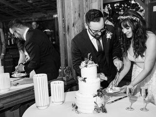 Michele's Corner Wedding Cakes 4