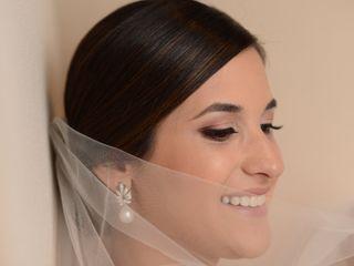 Karla Lola - Makeup Artist & Hairstylist 5