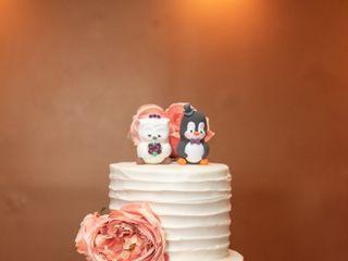 Designer Cakes and Desserts 7