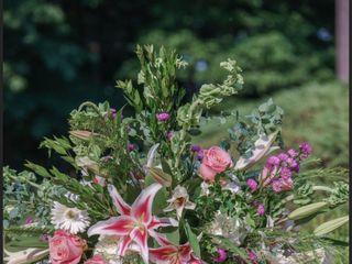 Mountain Oak Florist and Design 4