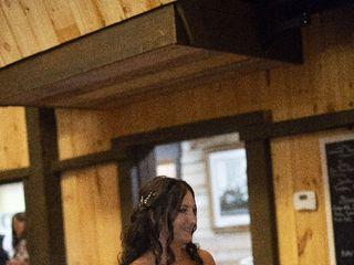 Linde's Bridal & Prom 2