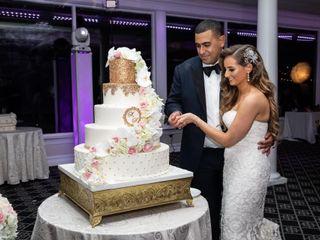 Palermo's Custom Cakes & Bakery 5