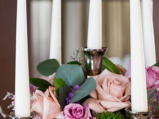 Jovani Linens and Floral design 3