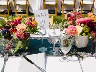 Willow & Plum Event Floral and Decor 4
