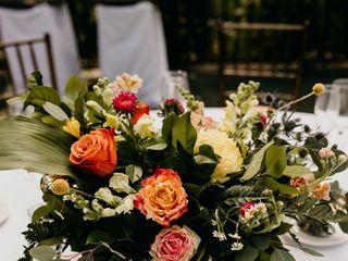Sacred Romance Floral Design & Event Planning 4