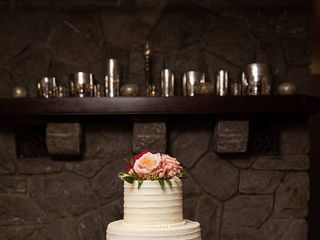 Sweet Promises Wedding Cakes 2