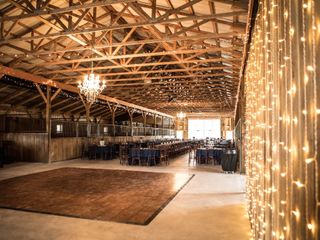Bluegrass Wedding Barn 1