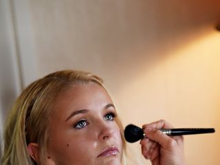 Jennifer Pomante Makeup Artist 2