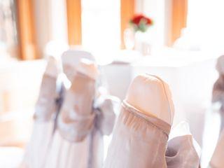 Fancy Seats Weddings 3