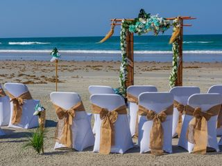Paradise Beach Weddings 4