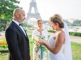 Celebrant in Paris 2