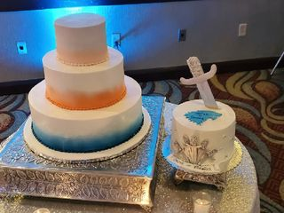 Edible Creations Custom Cakes  3