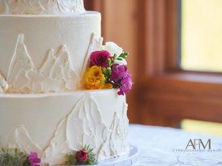 Ooo La La Creative Cakes,LLC 6