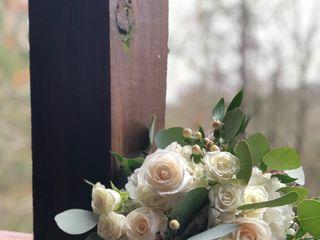 String of Pearls Wedding Flowers 4
